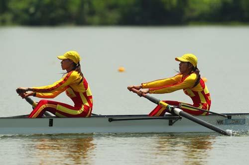 Rowing Việt Nam: Tập hồ tự nhiên, thi hồ nhân tạo - 1