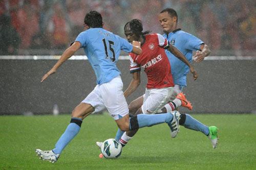 Arsenal thua MC: Khó sống thiếu RVP - 1