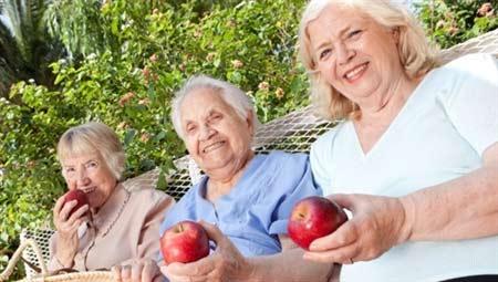 Ăn táo giảm nguy cơ mắc bệnh tim - 1