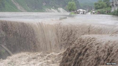 Triều Tiên xin viện trợ khẩn cấp - 1