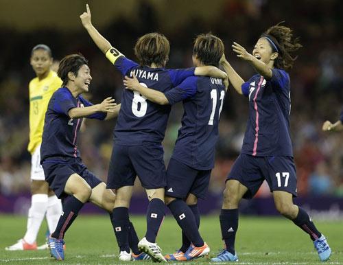 Bóng đá nữ Olympic: Nhật loại Brazil - 1