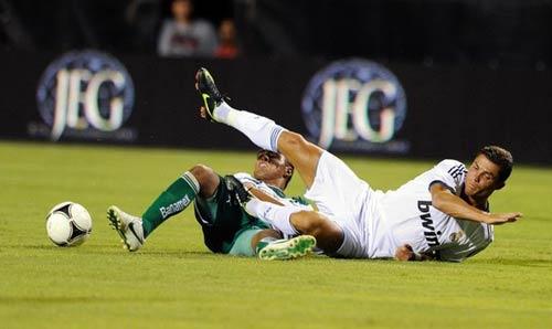 Real - Santos: Không dễ dàng - 1