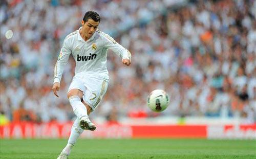 Ronaldo vượt mặt Casillas & Messi - 1