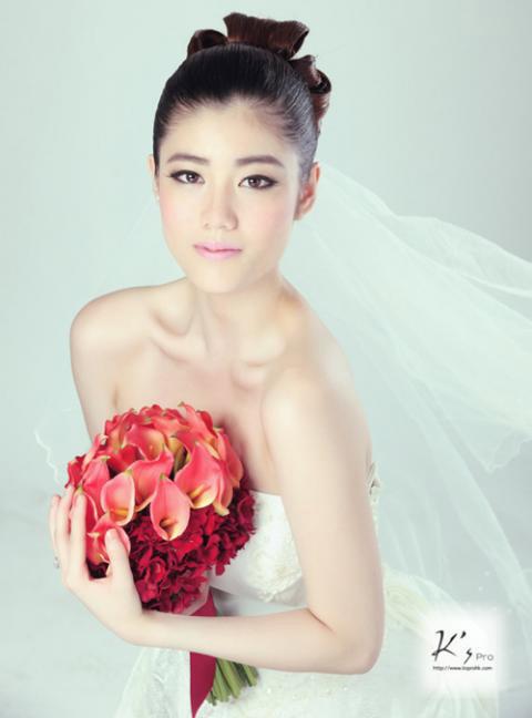 Chọn váy cưới cho cô dâu lùn - 1