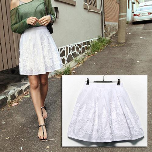 3 phong cách với kiểu váy xòe ấn tượng - 1
