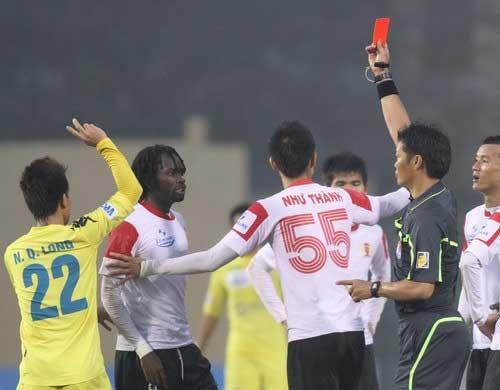 """Trọng tài """"sạch"""" cuối mùa giải V-League 2012? - 1"""