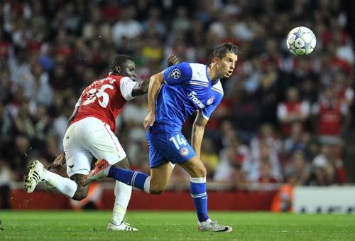 Arsenal tìm được người thay Persie? - 1