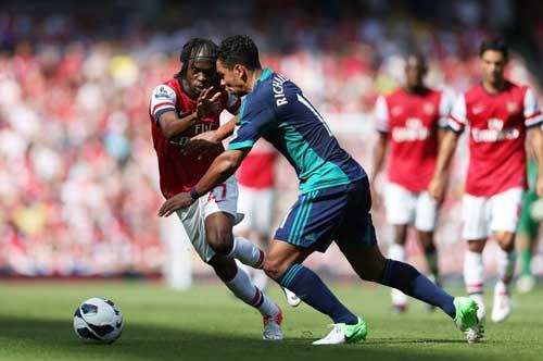 Arsenal – Sunderland: Nỗi nhớ Persie - 1