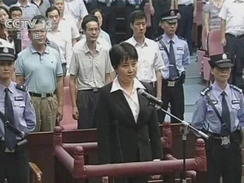 Nhiều đồn đoán sau phiên xử bà Cốc Khai Lai - 1