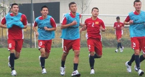 Rèn xong thể lực, U19 Việt Nam hạ sơn - 1