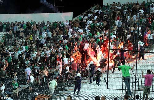 Bạo loạn kinh hoàng tại Hy Lạp - 1
