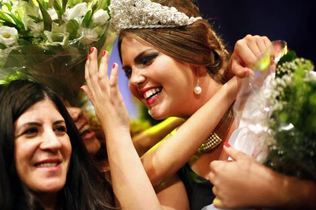 Hoa hậu béo Israel 2012 thuộc về cô gái Vared Fisher 22 tuổi nặng 110 cân.