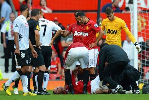 Vừa ra viện, Rooney nóng lòng thi đấu - 1
