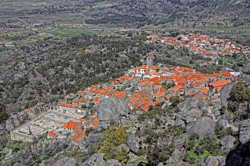 Ngôi làng cổ nằm giữa ở Bồ Đào Nha - 1