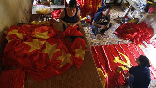 Người may nhiều cờ nhất Việt Nam - 1