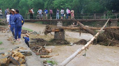 Lào Cai: Lũ quét đột ngột, 11 người chết - 1