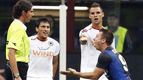 Serie A sau vòng 2: Inter thảm bại, Milan trở lại - 1