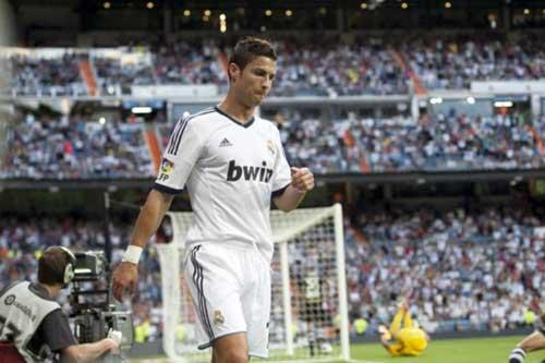Ronaldo đòi rời Real: Kẻ muốn, người không - 1