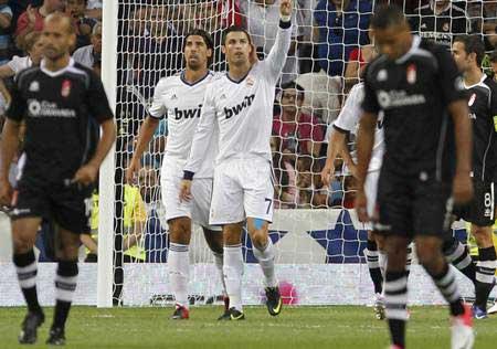 """Vụ Ronaldo """"buồn"""": Tất cả đều mắc bẫy CR7? - 1"""