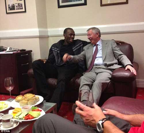 Usain Bolt sẽ được chơi cho MU - 1