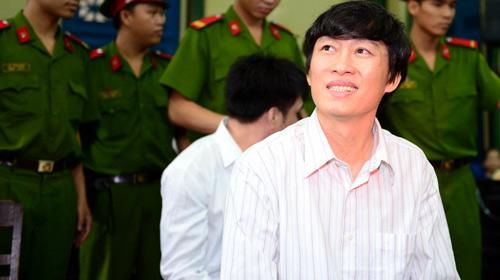 Xét xử nhà báo Hoàng Khương - 1