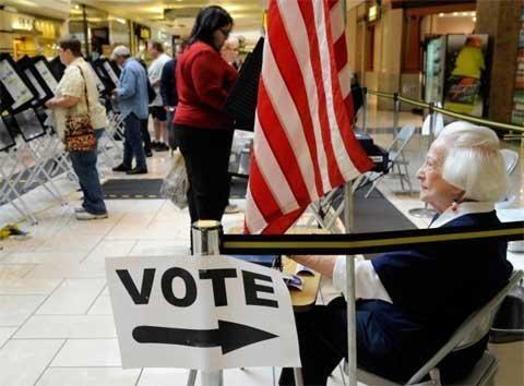 Bầu cử Mỹ: Cử tri ở 32 bang đi bỏ phiếu sớm - 1