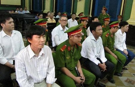 Nhà báo Hoàng Khương bị đề nghị 6-7 năm tù - 1