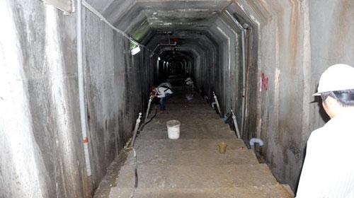 Bên trong hầm thủy điện Sông Tranh 2 - 1