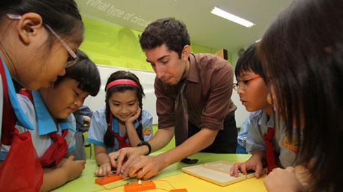 Một trường 3-4 chương trình tiếng Anh - 1