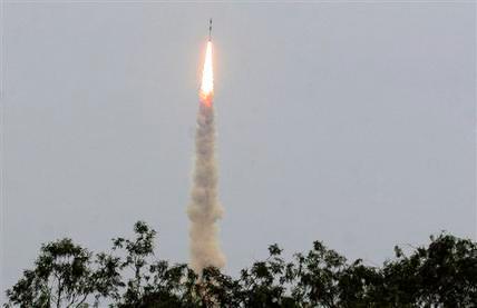 Ấn Độ phóng thành công vệ tinh thứ 100 - 1