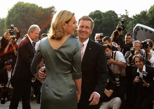 Vợ cựu Tổng thống Đức kiện Google - 1