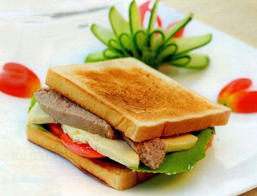 Bữa sáng với sandwich pa-tê gan ngỗng - 1