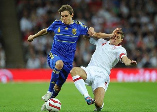 Anh - Ukraine: Thoát hiểm ở Wembley - 1