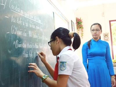 Hoàng Sa, Trường Sa vào lớp học - 1