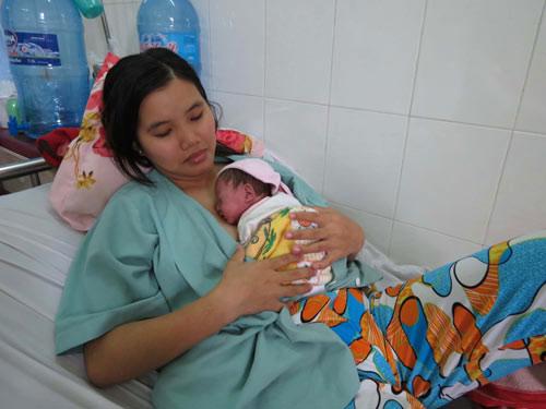 Cứu sống bé sơ sinh nặng 600 g - 1