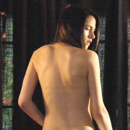 Kristen: Khỏa thân là chuyện nhỏ! - 1