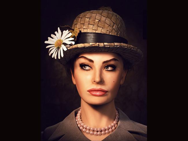 Sophia Loren được biết đến như nữ diên viên Italia nổi tiếng nhất thời bấy giờ và cũng là một biểu tượng sex lớn trên thế giới.