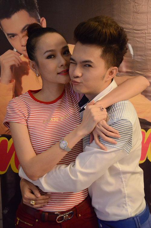 """Nam Cường khoe """"con trai cưng"""" - 1"""