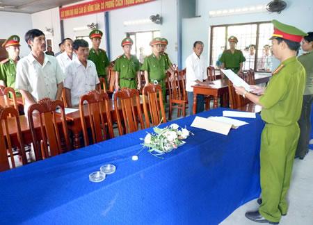 """Bắt 6 đối tượng """"ăn"""" đất của làng ĐH Đà Nẵng - 1"""