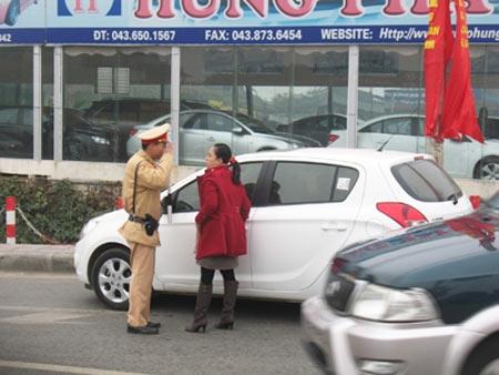 Nâng tầm văn hóa cho cảnh sát giao thông - 1