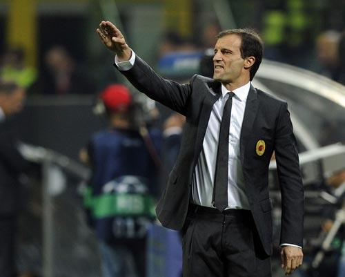 Serie A trước vòng 4: Thảm họa chờ Milan - 1