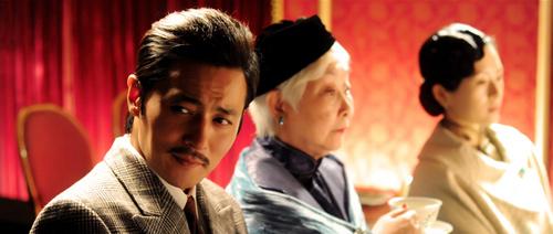 Phim mới Jang Dong Gun ngập cảnh nóng - 1