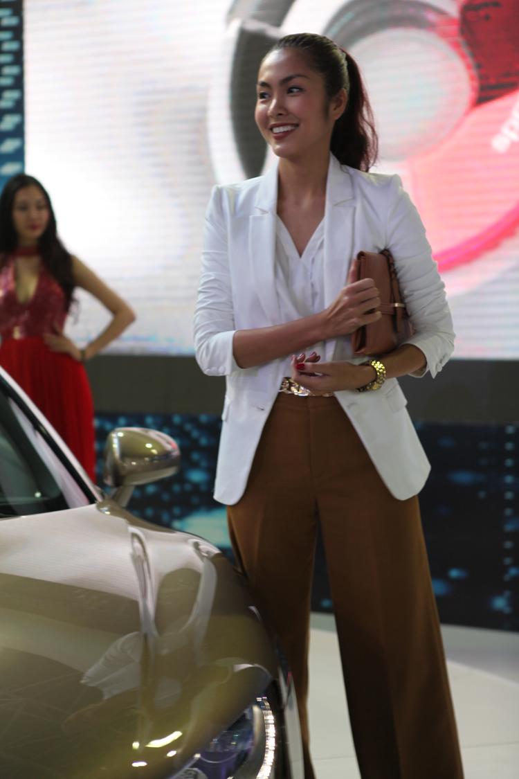 Ngọc nữ Tăng Thanh Hà, đại sứ thương hiệu Audi Việt Nam vừa có màn ra mắt ấn tượng tại Triển lãm ô tô Việt Nam lần thứ 8 ở Giảng Võ, Hà Nội