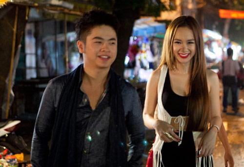 """Hot girl Phương Trinh """"làm loạn"""" phố Hàng Mã - 1"""