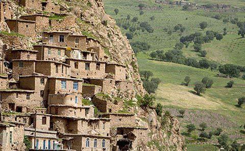 Những ngôi nhà bậc thang ấn tượng ở Iran - 1