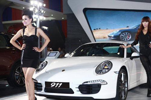 Người Việt Nam mua ô tô đắt đỏ nhất thế giới - 1