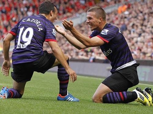 """Podolski: """"Hãy quên Persie đi"""" - 1"""