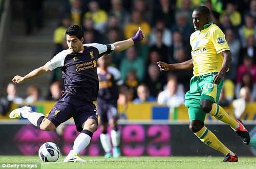 Norwich - Liverpool: Hat-trick của Suarez - 1