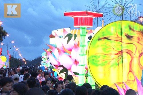 Lễ hội đèn Trung thu lớn nhất VN - 1