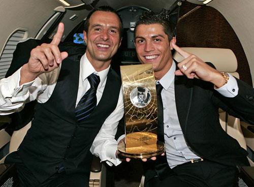 Ronaldo bí mật đàm phán với PSG? - 1